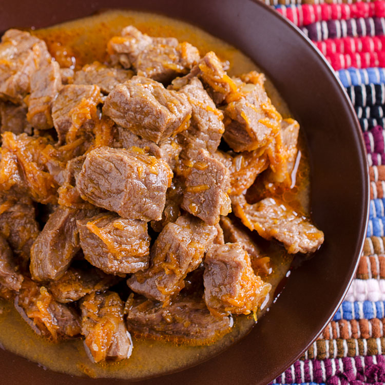 Pieces of stewed meat served in a rustic style